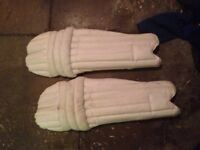 Cricket pads good condition