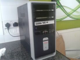 COMPAQ TOWER COMPUTER COMPLETE