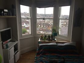 large single room available to rent within friendly house in fiveways