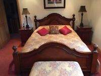 King Size bedstead, Colonial style, fluted columns, Alder and Aspen veneers, antique finish, VGC