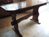 DINING OR KITCHEN TABLE IN SOLID CHERRY WOOD.
