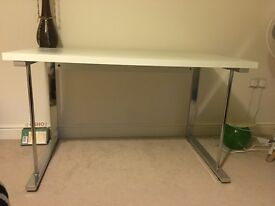 Study / Work Table in good condition