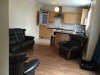 Nice 2 bedroom ground floor flat to rent in Isleworth worple Avenue TW7 7HU