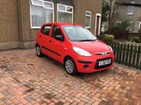 Red Hyundai i10, great condition inside and out