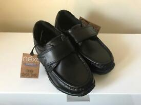 Boys leather school shoes size 9 NEW