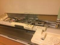 Silver reed 280 knitting machine