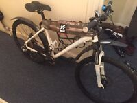Mens 18 inch CARRERA MOUNTAIN BIKE 24 Speed + Disc Brakes with All Accessories
