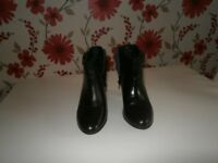Ladies real leather ankle boots from Debenhams size 3 worn once in excellent condition