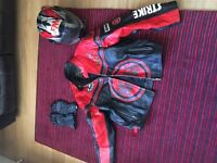 Lucky strike xxl leather jacket. Xlarge Kevlar gloves . xxl helmet