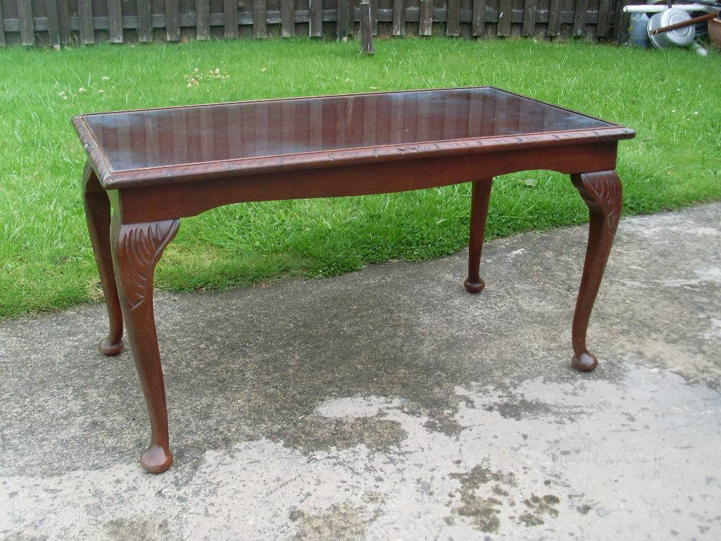 Vintage mahogany glass centre coffee table in chester le for Coffee tables gumtree