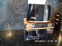 BLACK RUSSELL HOBBS 2 SLICE TOASTER IN FULL WORKING ORDER