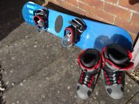 Illuminati 148cm Snowboard with UK Size 6 Boots and Billabong Carrying Case