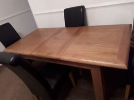 JTF extendable wooden table 4 leather chairs
