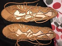 Woman's tan cut out Lace up flats size 5 wide fit