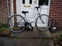 "Ladies,Hybrid Cycle,16""Alloy Frame,700c Alloy Wheels,New Parts, SERVICED."