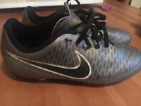 Nike Magista boys football boots
