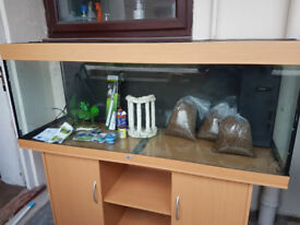 5FT JUWEL RIO 400 LITER FISH TANK AND STAND FOR SALE,,FULL SET UP.