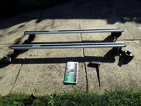Genuine Skoda aluminium aero roof bars for Octavia II Estate 2004-2013.