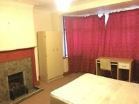 2 Double rooms in Greenford 600£PM (with garden) for couple (UB68QG) AVAILABLE NOW!!!!