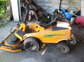 RIDE ON STIGA ROTARY GRASS CUTTER WITH A 4 STROKE ENGINE IN GOOD CONDITION
