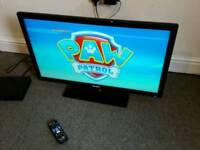 """32"""" led fhd TV slim lightweight with freeview has remote £95"""