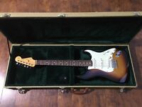 Fender Robert Cray Signature Stratocaster in Tweed Case