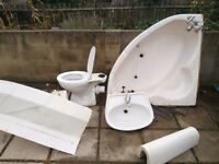FREE 3 piece corner bathroom suite cream good condition ready to be picked up