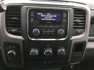 2016 Ram 1500 ST/ PRICED FOR AN IMMEDIATE SALE/ LOW, LOW KMS!! Kitchener / Waterloo Kitchener Area image 17