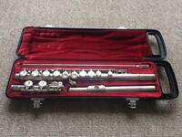 Yamaha YFL 211S Sliver Plated Flute in case