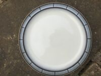 Five Denby dinner plates 26 cm in diameter
