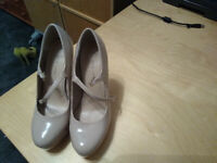 LADIES NEW LOOK SHOES SIZE 4