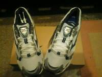 Mizuno size 7 brand new trainers