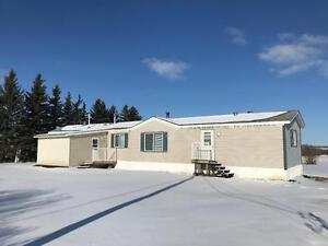 3 BED 2 BATH MOBILE HOME ON 3 ACRES
