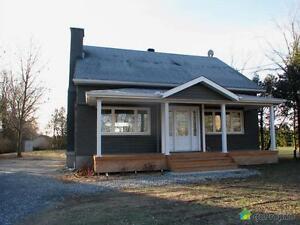 360 000$ - Maison 2 étages à vendre à Chelsea Gatineau Ottawa / Gatineau Area image 3