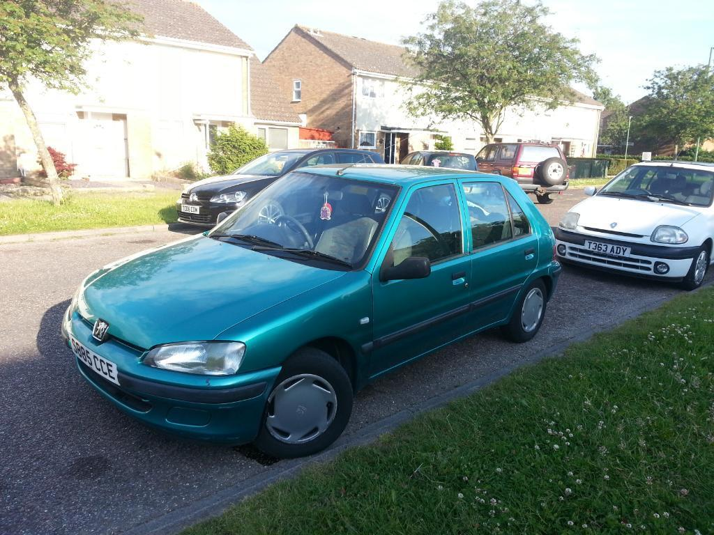 green peugeot 106 automatic in bournemouth dorset gumtree. Black Bedroom Furniture Sets. Home Design Ideas