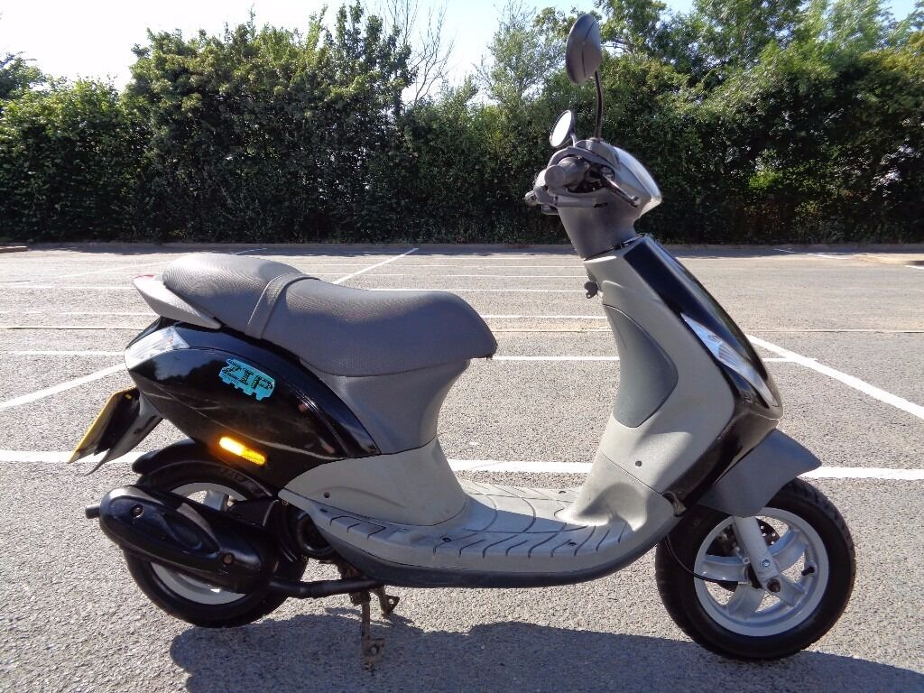 2002 piaggio zip 50 2t scooter moped 3 owner vgc 2731. Black Bedroom Furniture Sets. Home Design Ideas