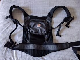 Ergobaby carrier - black charcoal. In perfect condition!