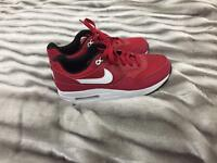 Nike air max trainers size 5 Uk