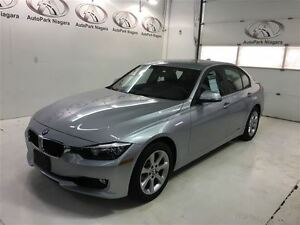 2013 BMW 3 Series 328i xDrive / AWD / LEATHERETTE / ALLOY RIMS