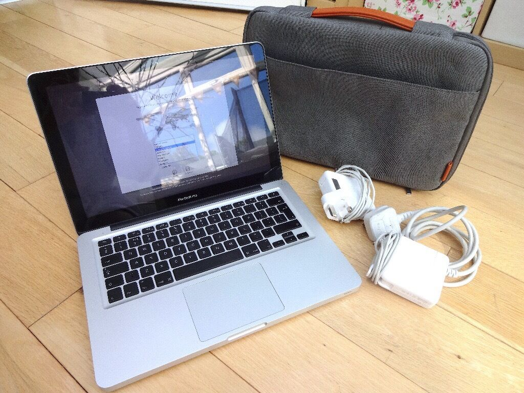 """APPLE MacBook Pro13"""" Screen8GBIntel Core i5CaseTwo ChargersExcellent Conditionin Southampton, HampshireGumtree - APPLE MacBook Pro 13"""" Screen 8GB 320GB HD 2.3GHz Intel Core i5 I have had this MacBook from New. It has been taken great care of and stored carefully when not in use. I upgraded the memory from 4GB to 8GB soon after purchase. The screen is in..."""