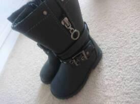 Size Infant 4 Boots