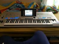 Yamaha tyros 4 with speaker read add