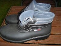 EURO-MAX safety boots size 8(42) light and comfy £15 collect
