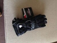 Akito Bike Gloves size large never worn