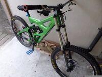Full suspension downhill bike