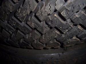 2 pneus d'hiver 185/70/14 Radial Wintermark