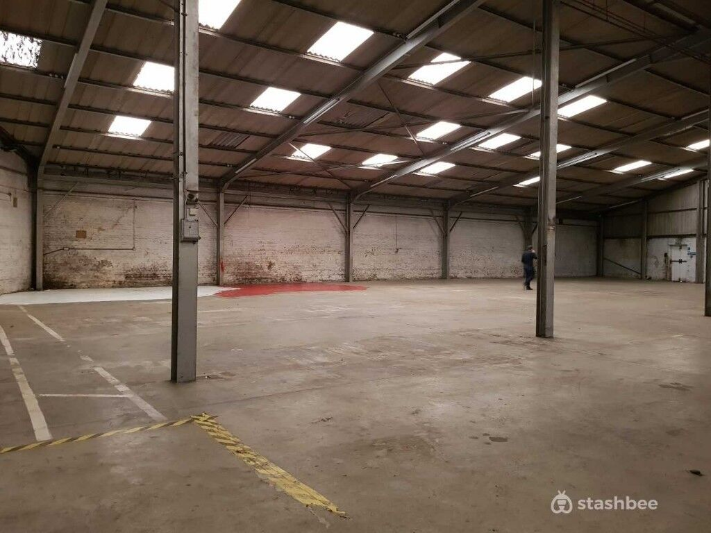 Fantastic 10 634ft Warehouse Available In Kingston Upon