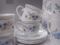 Arcopal blue and yellow flowers / ROMANTIQUE pattern 6 mugs 4 cups and 4 saucers