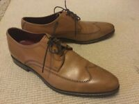 DESIGN LOAKE Size 9.5 Tan Leather lace up men's Shoes in great condition