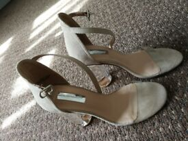 Nude/ Clear heels size 5